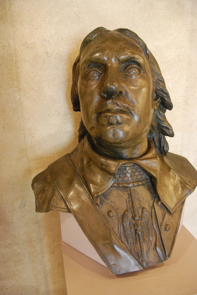 Great College Street - Oliver Cromwell Bust Inside The Jewel Tower