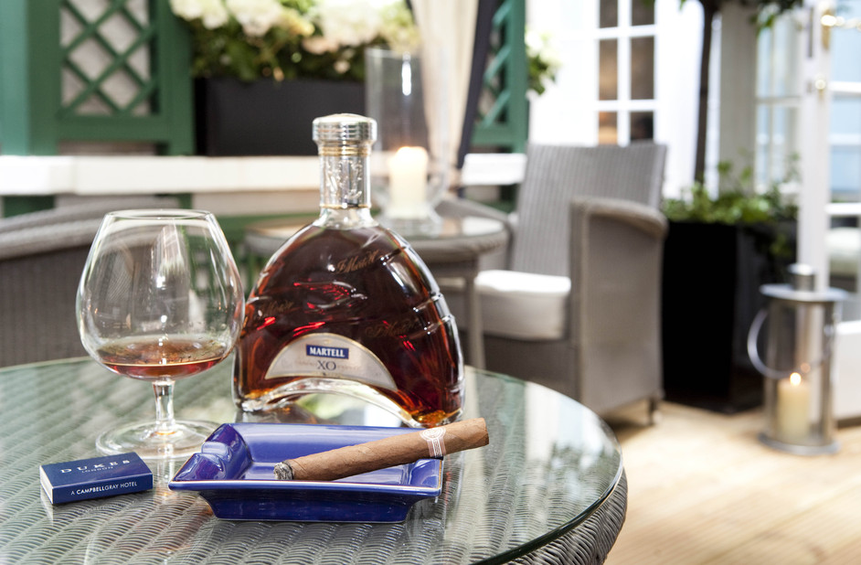 Dukes Hotel: Cognac and Cigar Garden