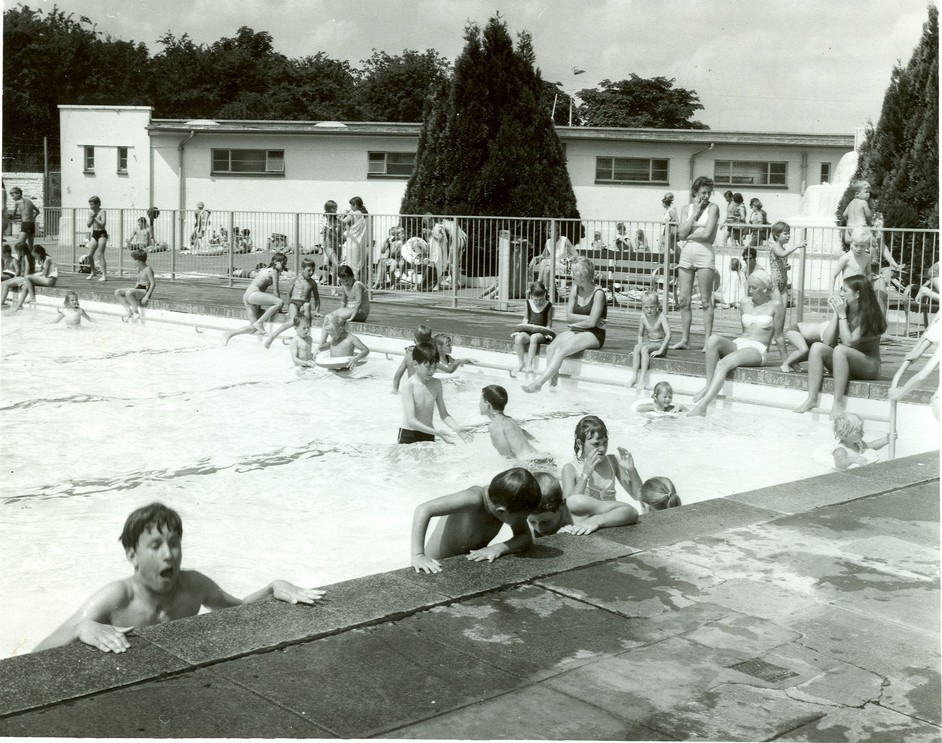 hillingdon outdoor pool images
