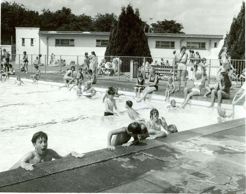 Hillingdon Sports & Leisure Complex - Uxbridge Lido 1938