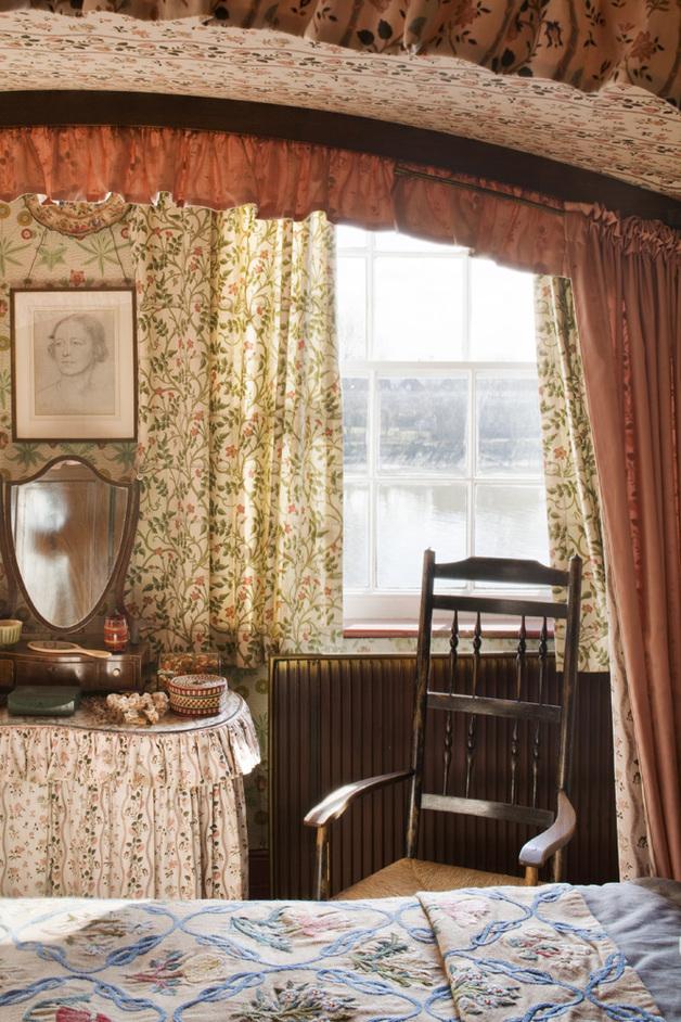 Emery Walker's House at 7 Hammersmith Terrace - Main Bedroom, by Matt Clayton