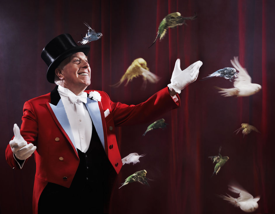 Zippos Circus: Celebration - Norman Barrett and birds, photo by Phil Fisk