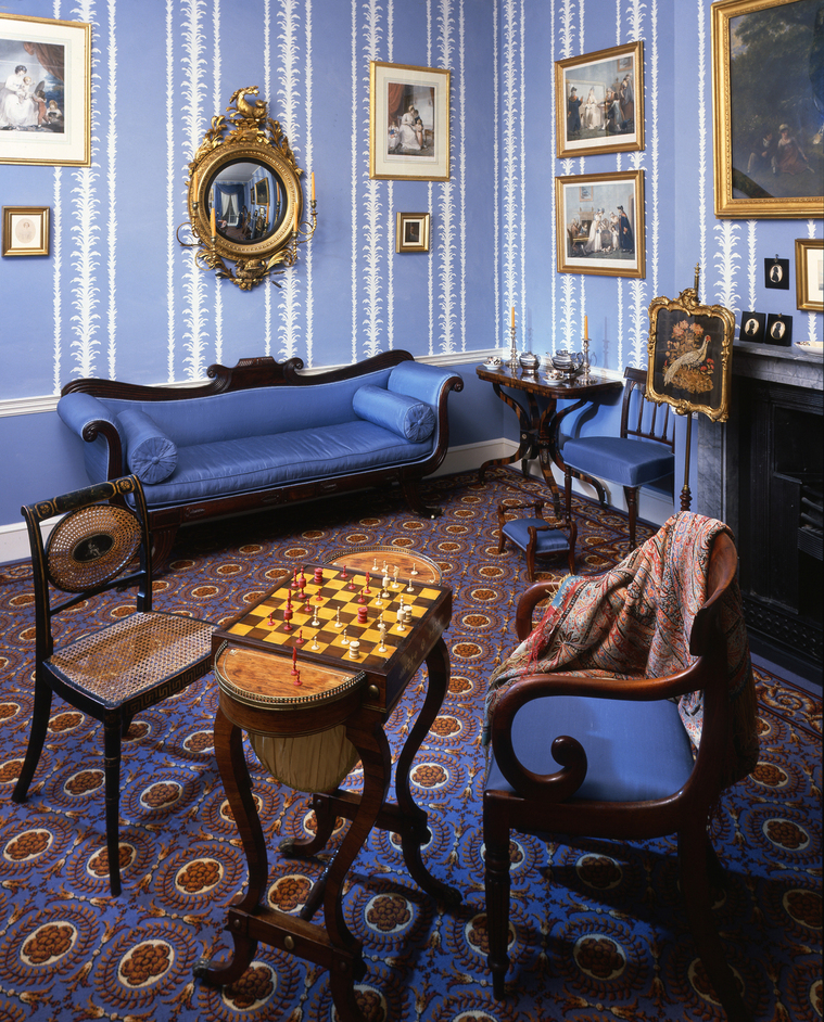 Geffrye Museum - Geffrye Museum, a drawing room in 1830. Photo by Chris Ridley
