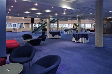 Mountbatten Lounge - Sixth floor