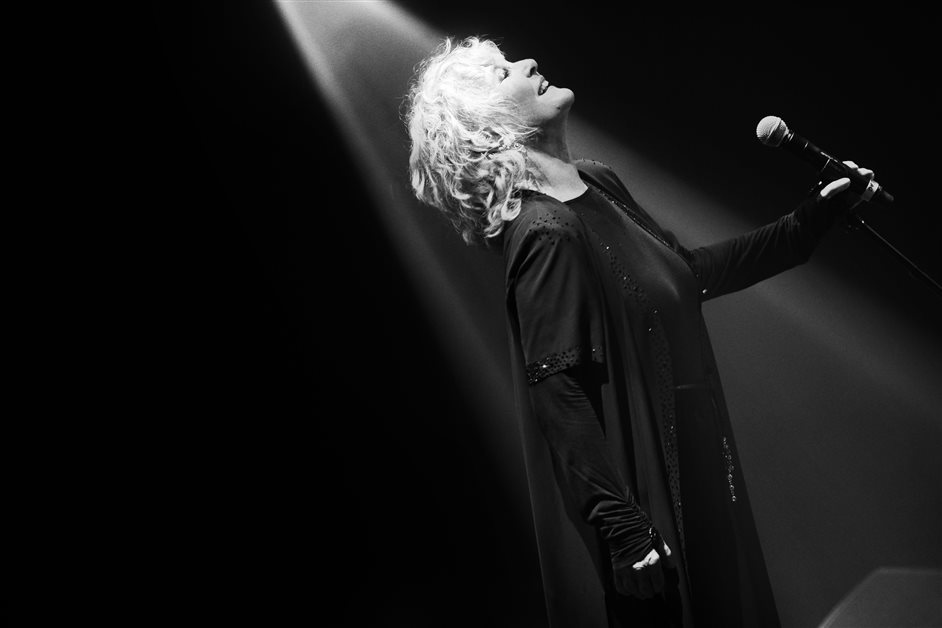 Women of the World Festival - Petula Clark_CREDIT Julien Scussel