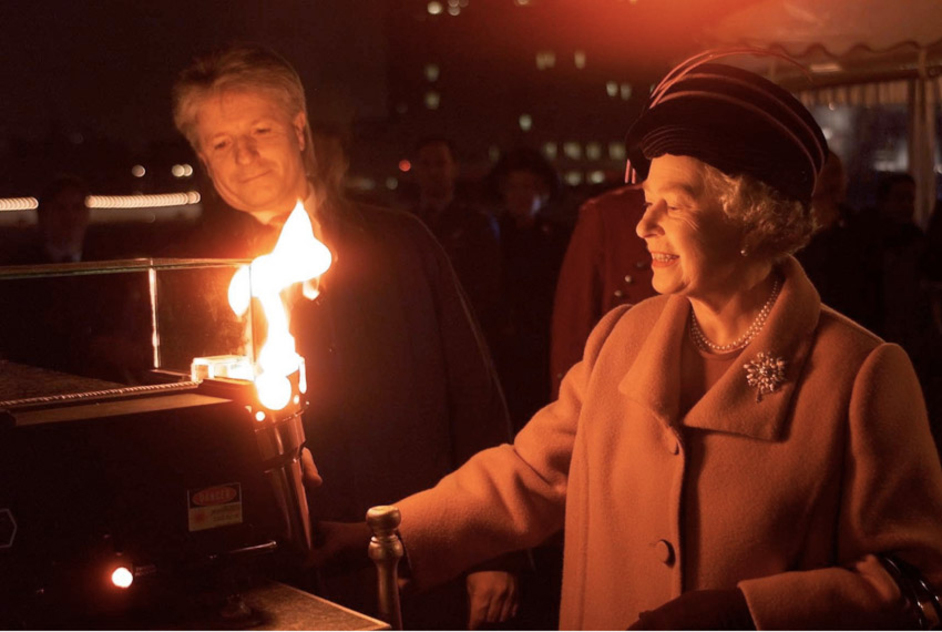 The Queen's Diamond Jubilee Beacons - The Queen lights the Millennium Beacon with Bruno Peek in 1999