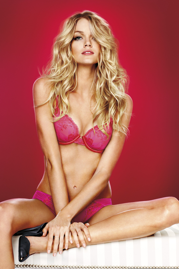 Victoria's Secret - Valentine's Day 2012, Lindsay Ellingson