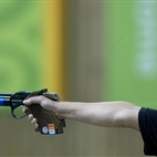 London Paralympics: Shooting hotels title=