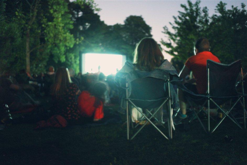 Pop Up Screens: Ravenscourt Park