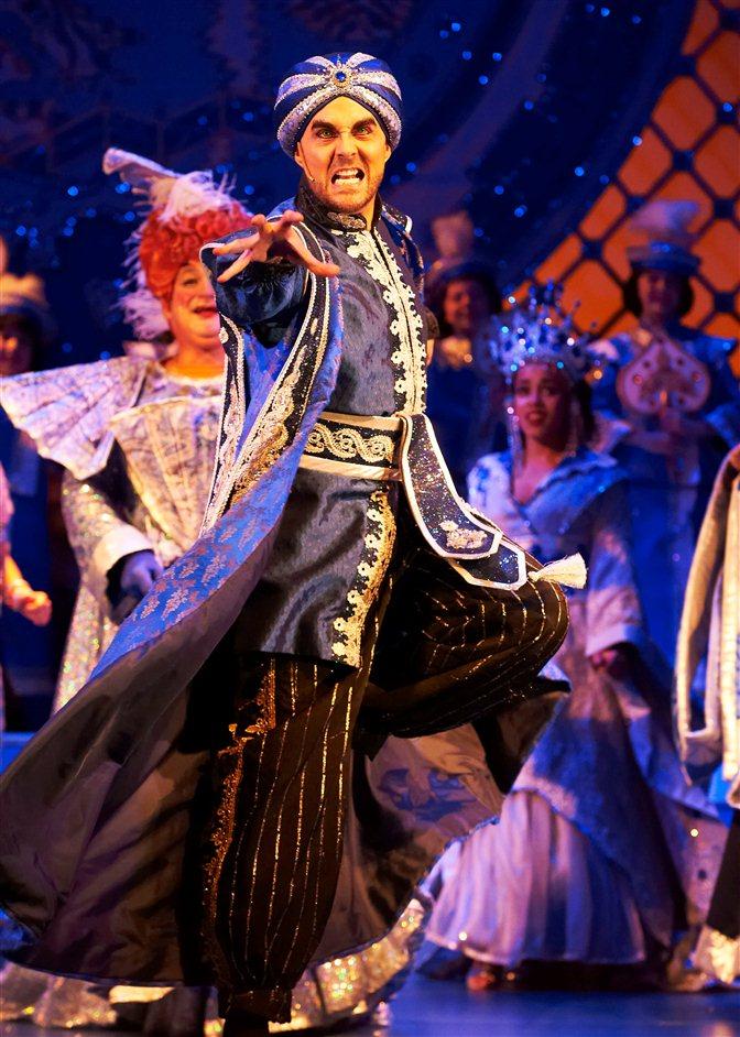 Aladdin - Peter Schiazza - Jonathan D Eliis (Abanazar)