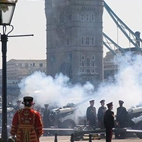 The Queen's Birthday Gun Salutes hotels title=
