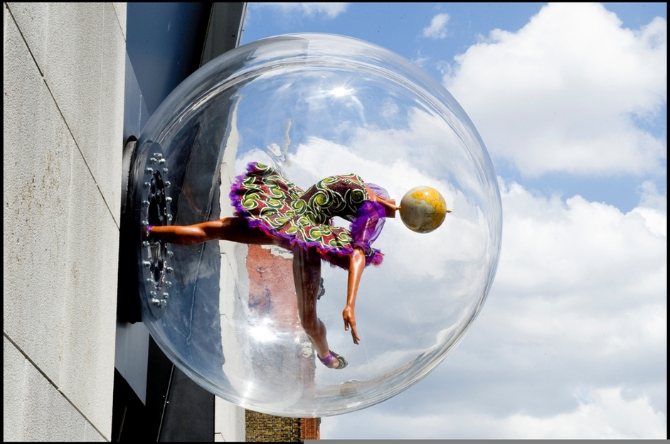 Yinka Shonibare: Globe Head Ballerina - Photo: Sim Canetty-Clarke