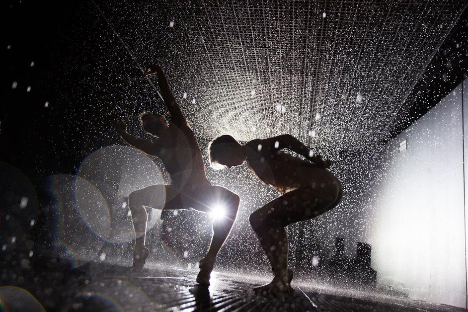 rAndom International: Rain Room - Photo by Sidd Khajuria