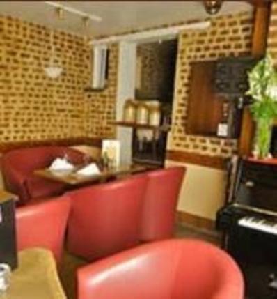 Shambles Bar & Restaurant