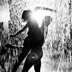 rAndom International: Rain Room