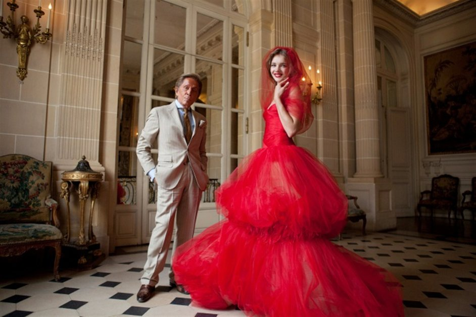 Valentino: Master of Couture - Valentino Garavani and Natalia Vodianova at Mus�e Nissim de Camodo in Paris, 2011 � Kevin Tachman