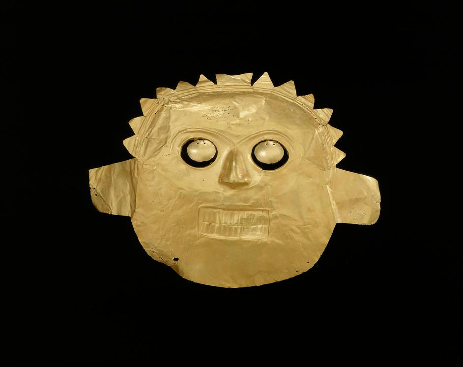 Beyond El Dorado: Power and Gold in Ancient Colombia - Funerary mask, Calima-Malagana, gold alloy, 100BC-AD400. Copyright Museo del Oro, Banco de la Republica, Colombia