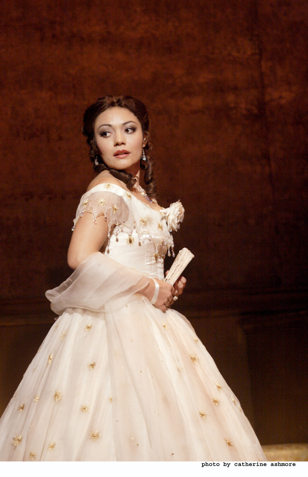 Royal Opera: La Traviata - Ailyn Perez as Violetta © Catherine Ashmore