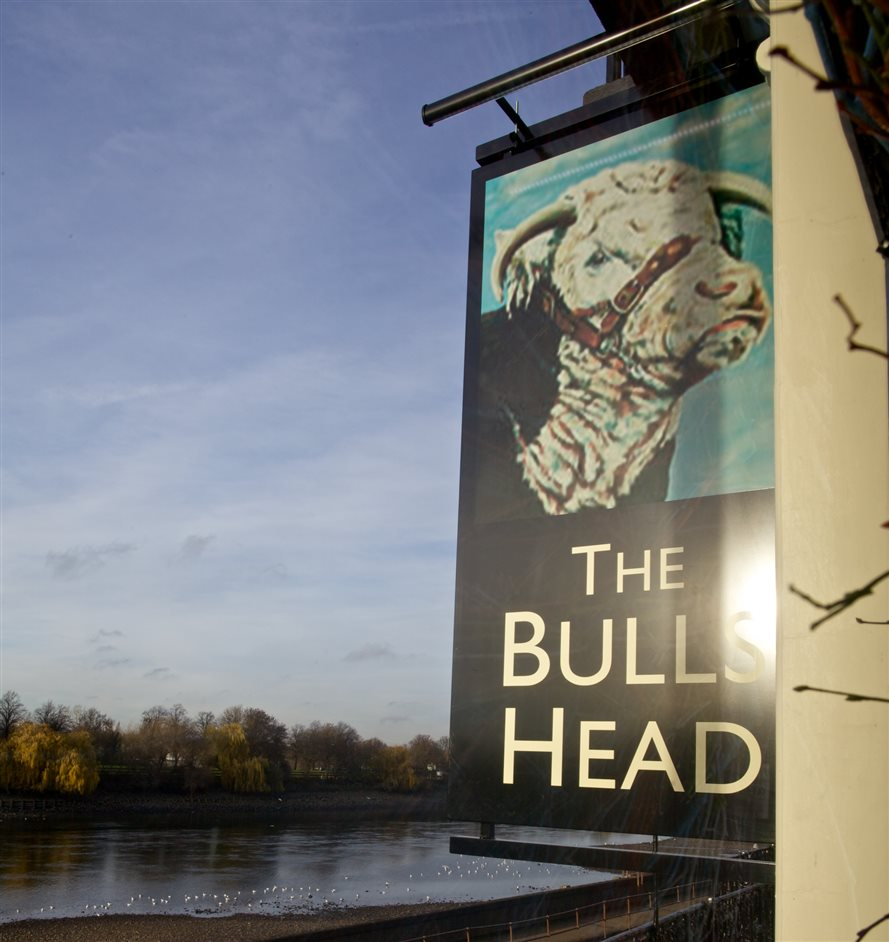 The Bull's Head, Barnes