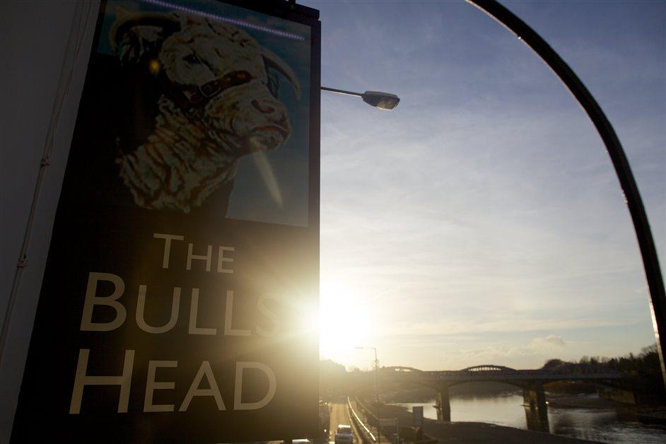The Bull's Head, Barnes