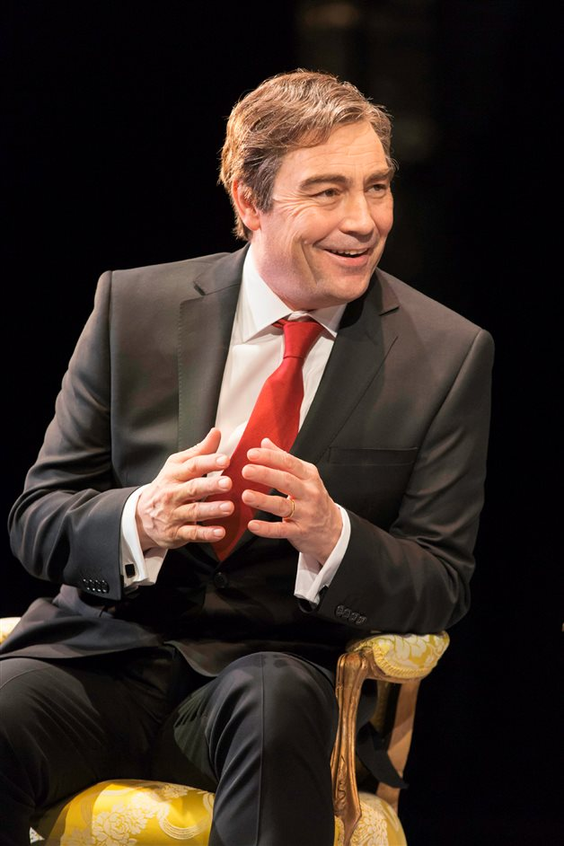 The Audience - Nathaniel Parker as Gordon Brown, photo by Johan Persson