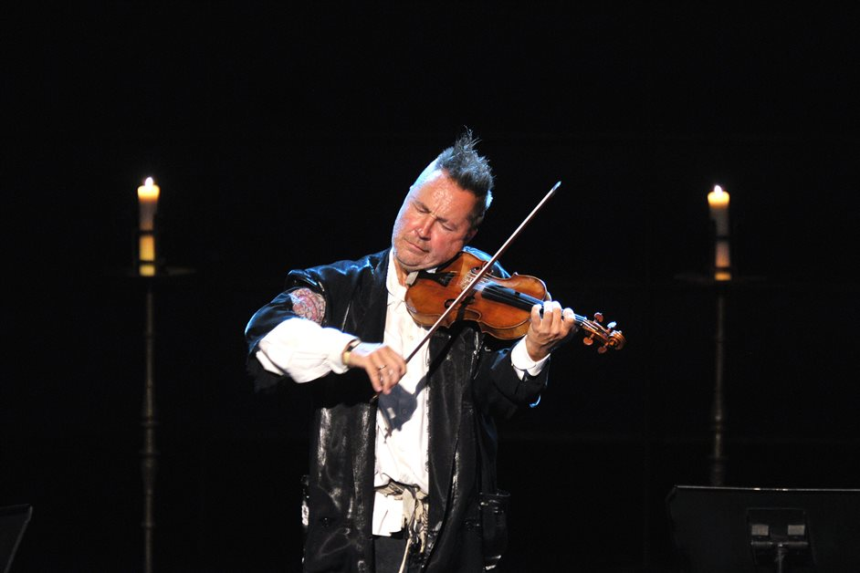 Prom 34: Vivaldi - The Four Seasons - Nigel Kennedy, photo by Chris Christodoulou/BBC