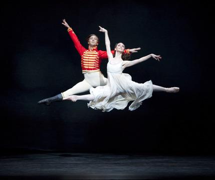 The Royal Ballet: The Nutcracker - Ludovic Ondiviela and Elizabeth Harrod in The Nutcracker. Photo ROH, Johan Persson