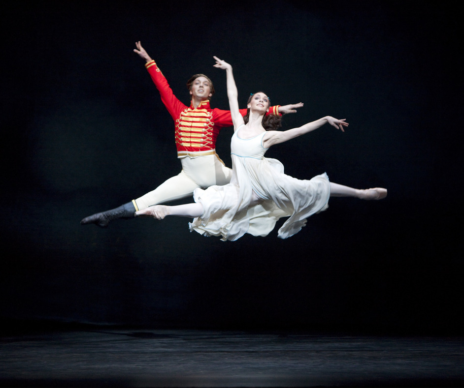The Royal Ballet: The Nutcracker - Ludovic Ondiviela and Elizabeth Harrod in The Nutcracker. Photo ROH, Johan Persson