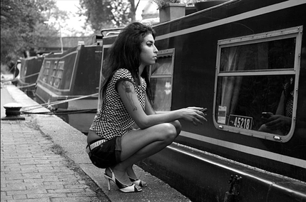 Amy Winehouse: For You I Was A Flame - Amy Winehouse, Camden Lock. 13th June 2006, 14:53 � Oscar Lasa