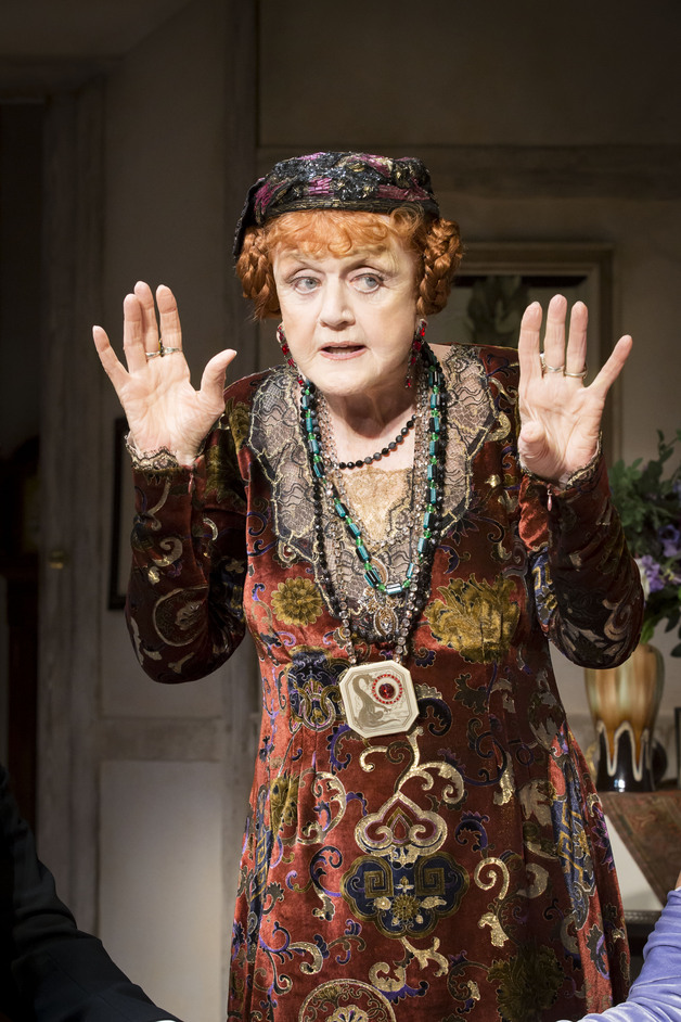 Blithe Spirit - Angela Lansbury and the cast of Blithe Spirit