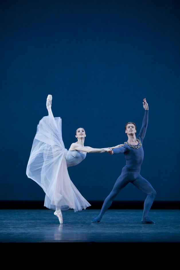 The Royal Ballet: Serenade | Sweet Violets | DGV - ©Johan Persson, 2008