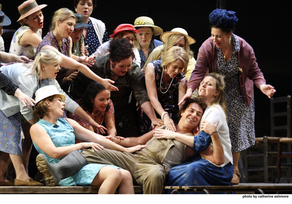 Royal Opera: L'elisir d'amore - Royal Opera: L'elisir D'amore, photo by Catherine Ashmore