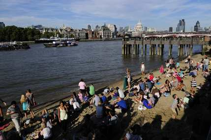 Totally Thames - Thames beach. Photo: Liong Suk Mei