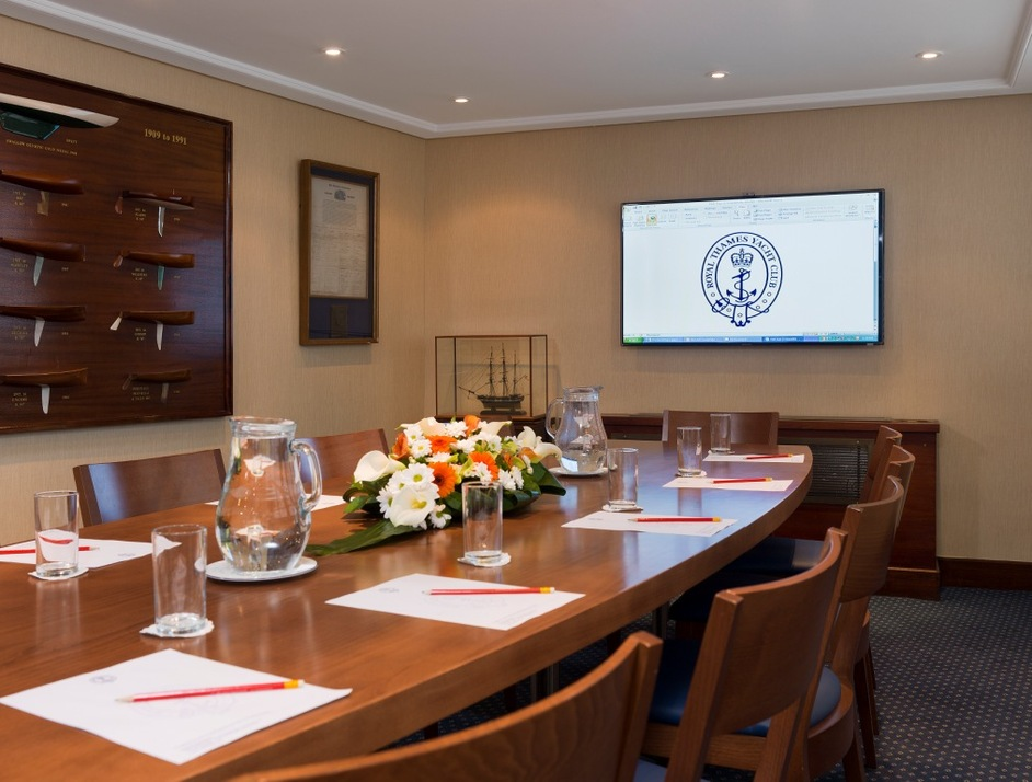 Royal Thames Yacht Club - Library