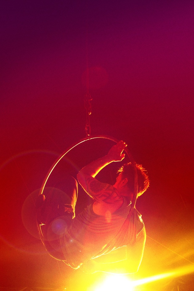 Roundhouse CircusFest - Belonging by Graeae and Circo Crescer e Viver