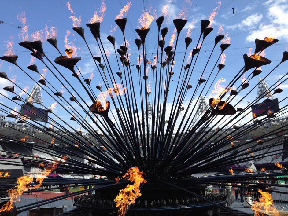 Designing A Moment: The London 2012 Cauldron - (c) HeatherwickStudio