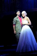 Evita - Marti Pellow as Che and Madalena Alberto as Eva by Keith Pattison