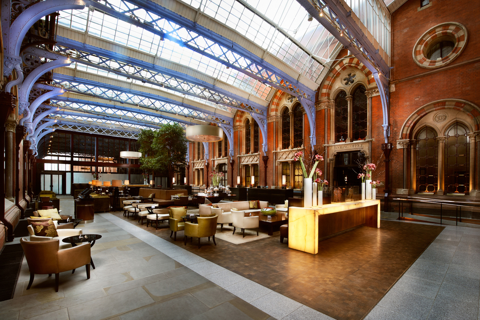 St Pancras Renaissance Afternoon Tea: Hansom Lounge