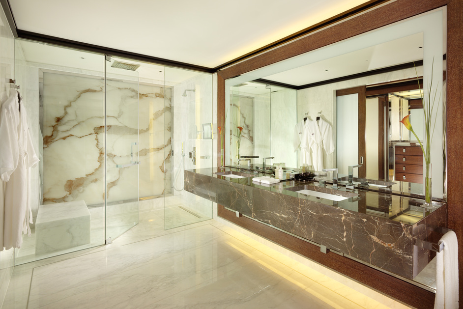 45 Park Lane - Penthouse Master Bathroom