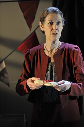 OperaUpClose: La Traviata