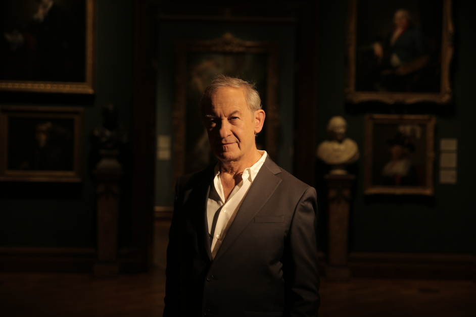 Simon Schama's The Face Of Britain - Simon Schama at the National Portrait Gallery, London. Copyright: Oxford Film and Television Ltd