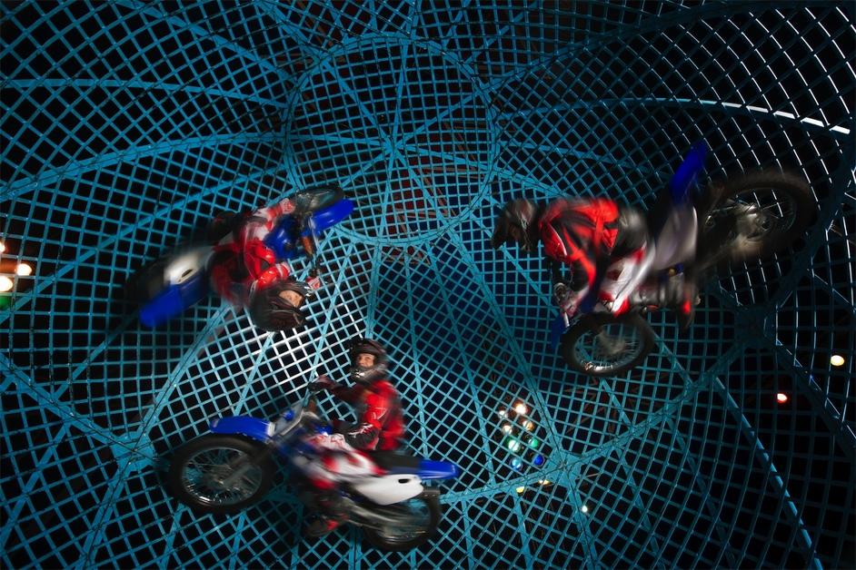 Zippos: Cirque Berserk! - Lucius Team Globe of Death