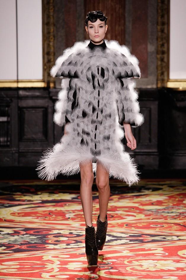 What Is Luxury? - Voltage Dress, Iris van Herpen, 2013, Paris (c)M. Zoeter x Iris van Herpen