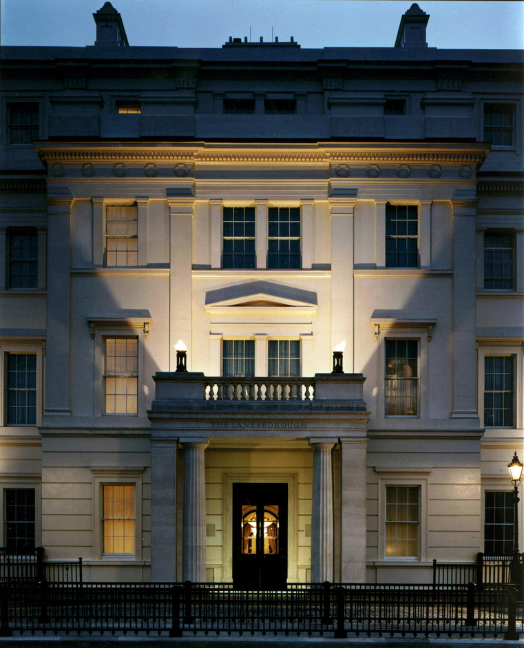The Lanesborough - The Lanesborough, main entrance by night