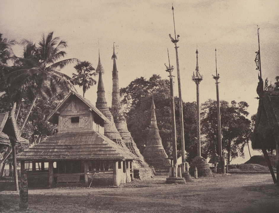 Captain Linnaeus Tripe: Photographer Of India And Burma, 1852-1860 - Rangoon: Henzas on the East Side of the Shwe Dagon Pagoda