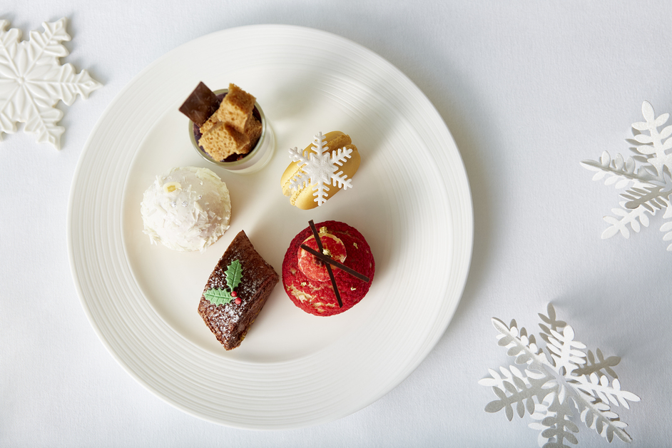 Ting - TING - Festive Afternoon Teacakes - Shangri-La Hotel, At The Shard, London