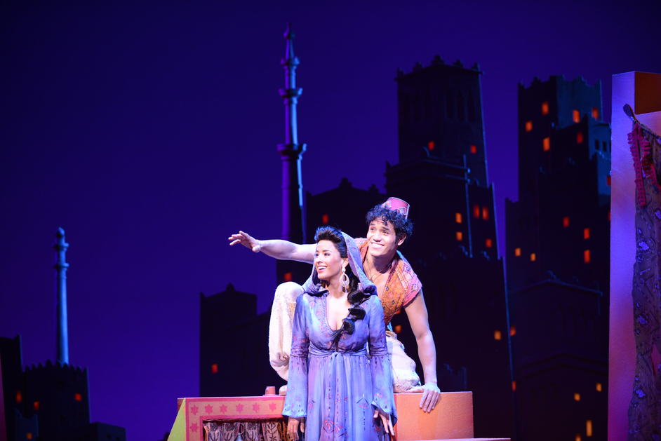 Aladdin - Courtney Reed and Adam Jacobs, photo by Deen van Meer