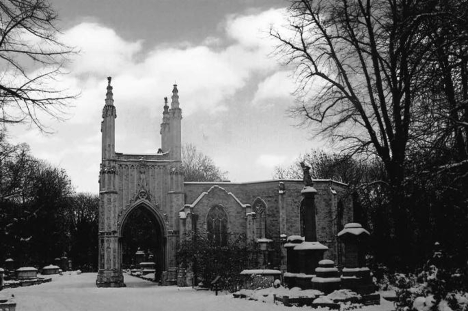 Nunhead Cemetery - Anglican chapel, photo (c) Carole Tyrrell