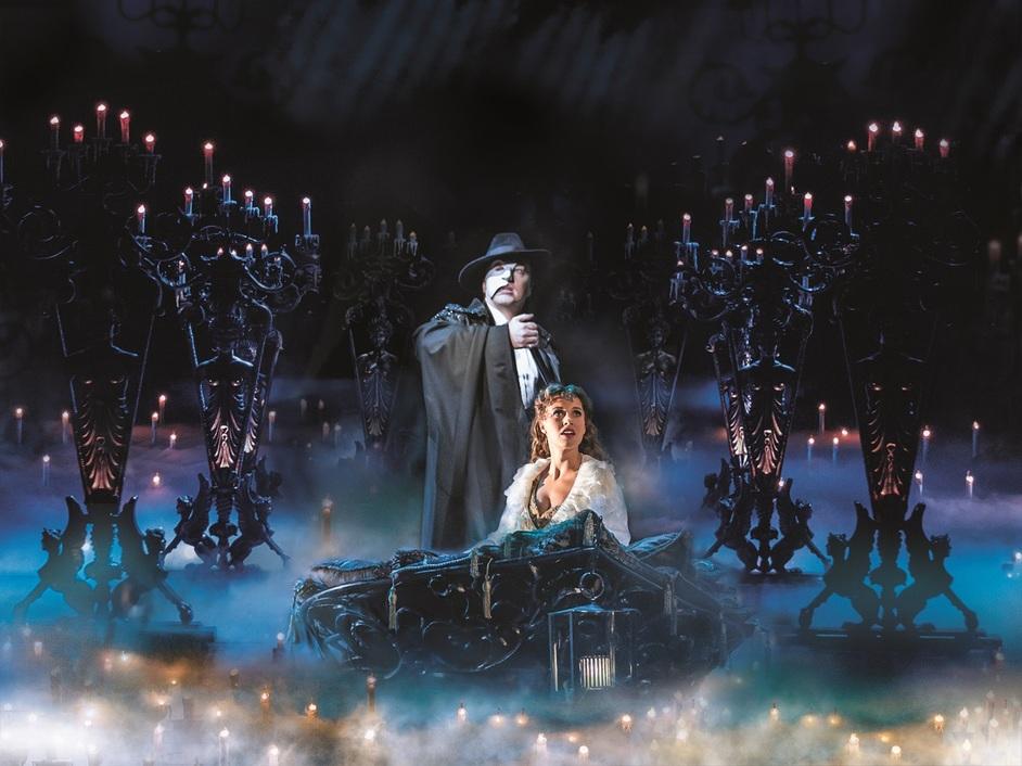 The Phantom of the Opera - John Owen Jones and Celinde Schoenmaker. Photo: Johan Persson