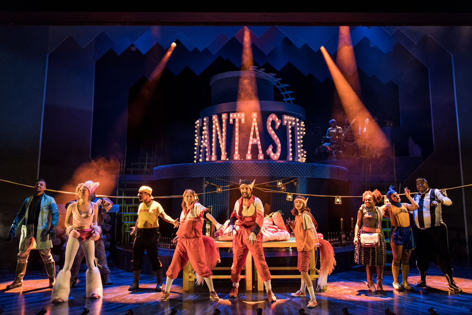 Fantastic Mr Fox - Fantastic Mr Fox at Nuffield Southampton Theatres. Photo: Manuel Harlan